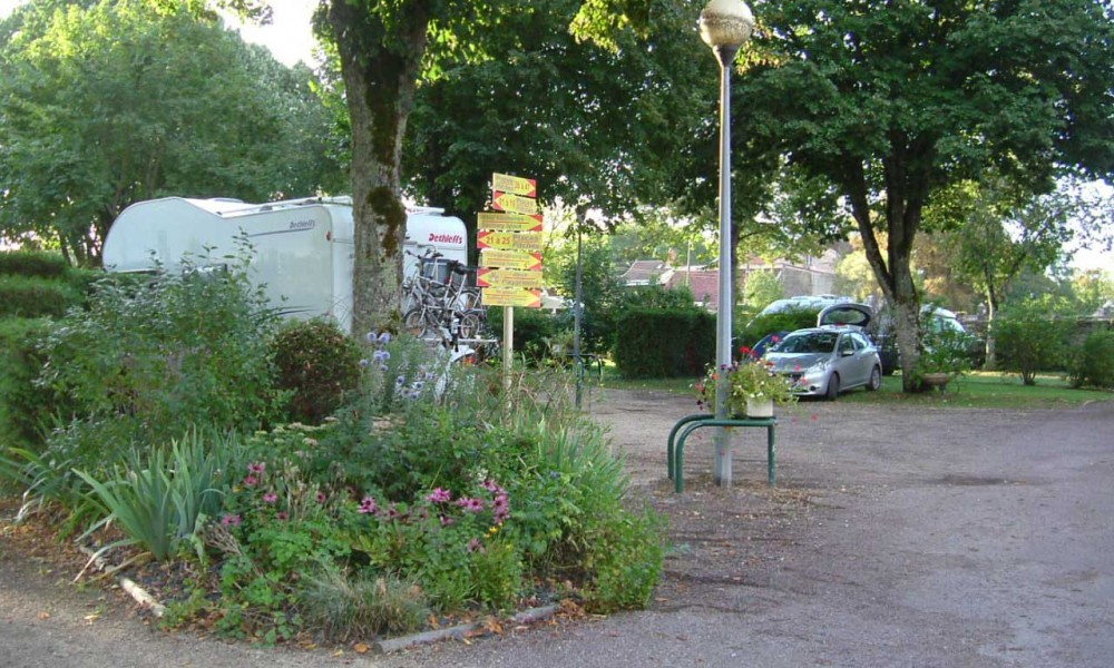 vacances nature au camping de Châtillon-sur-Seine aire de camping châtillon sur seine par kreastyl communication