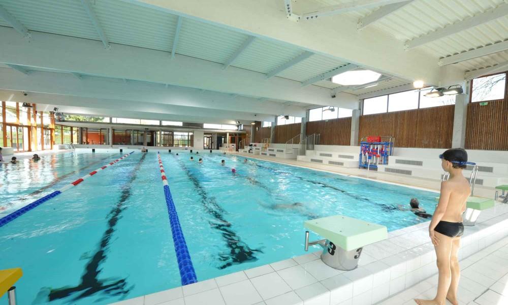les activités au camping de Châtillon-sur-Seine : piscine municipale