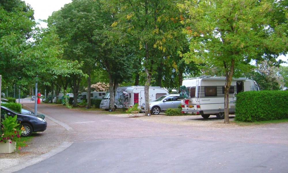 Plan du camping pour des vacances nature au camping de Châtillon-sur-Seine aire de camping pour tentes et camping-car